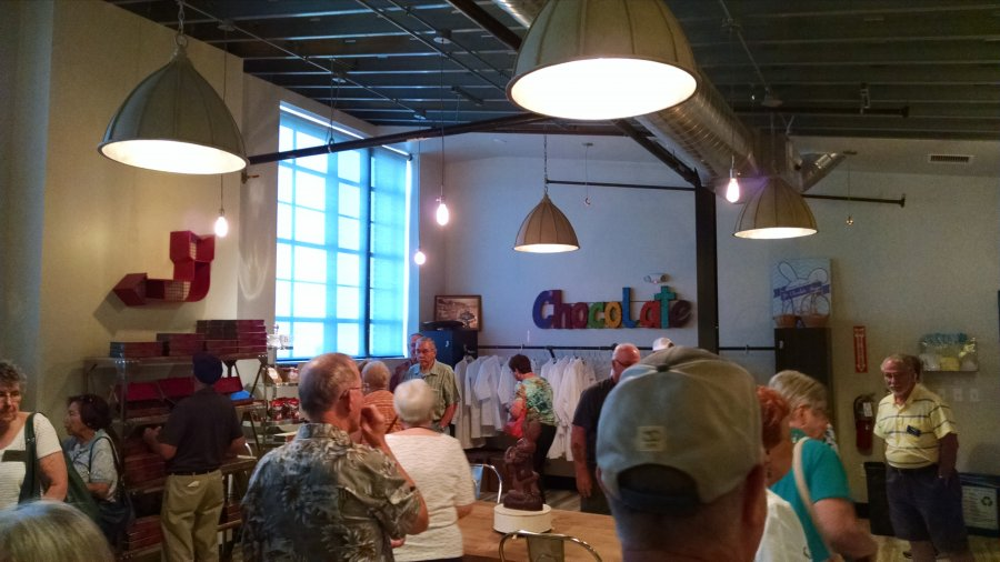 Sampling and shopping at Bissingers in St Louis, Summer Mystery #7
